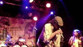 Ziggi Recado - Get Out  Live @ 013 Tilburg
