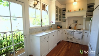 A Just-Right Kitchen With Vintage Style