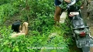 Terciduk MesumTanpa busana di kebon daerah cirebon diketahui warga