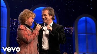 Jeff & Sheri Easter - The Greatest Gift of All [Live]