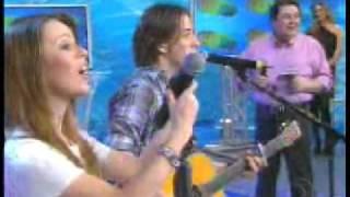 Sandy E Junior Cantando Maria Chiquinha No Falstão - 2007