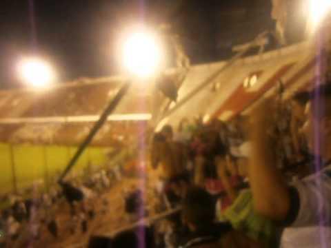 """Esta descontrolada la banda del Pincha !!!"" Barra: La Barra de Caseros • Club: Club Atlético Estudiantes"