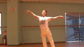 宝塚受験生のバレエ基礎〜振りの仕切り直しの体の使い方〜のサムネイル画像