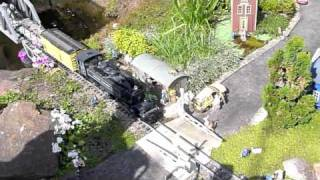 preview picture of video 'Allaboard, Mittagong, NSW - Garden Railway'