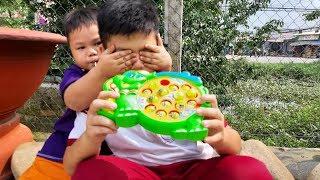 Đồ Chơi Trẻ Em Bé Pin Bịt Mắt Tìm Đồ Chơi ❤ PinPin TV ❤