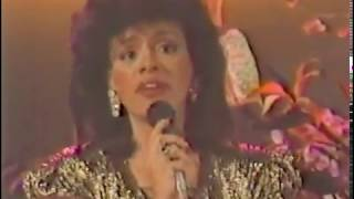 Marilyn McCoo as Tamara Price sings Since I Fell for You 11.18.86