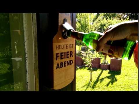 Wandflaschenöffner aus Holz mit Magnet
