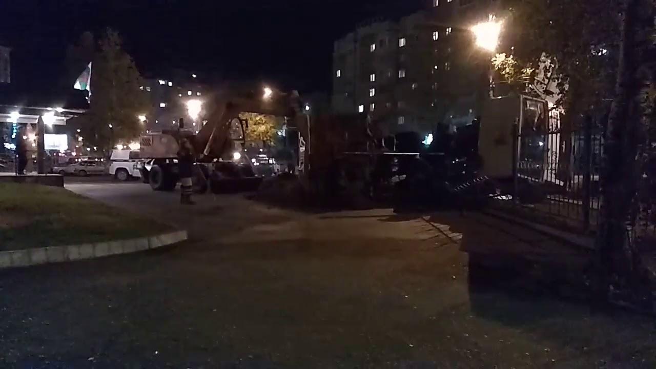 """В Сыктывкаре на забор отделения полиции рухнул """"МАЗ"""""""