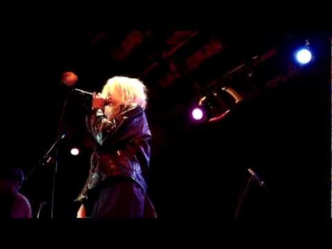 Sky Ferreira - Red Lips LIVE HD (2012) Los Angeles Bootleg Bar