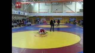 Новости спорта:В Великом Новгороде прошли всероссийские соревнования по вольной борьбе среди юниорок и кадеток