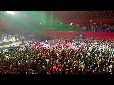 KRAFTKLUB - Münster Wett-Crowd-Surfen