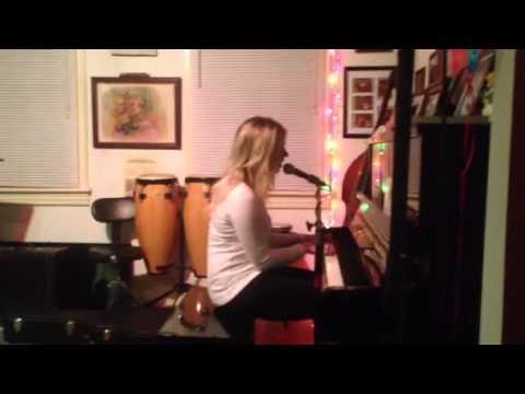 """I Don't Love You Anymore"". Original Song. Elizabeth Hufham. Live @ Teds"