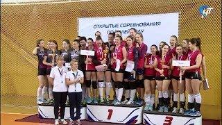 Соревнования по волейболу среди женских команд «София 2019» выиграли новгородки