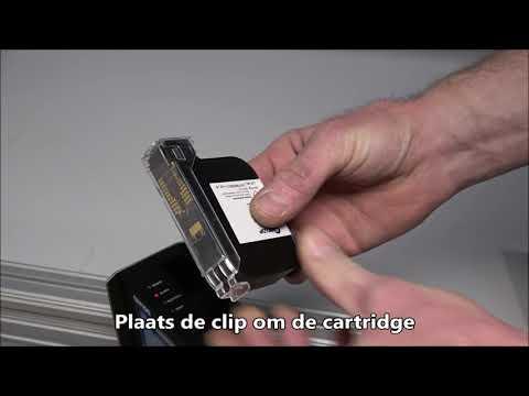CM 100: Cartridge plaatsen, verwijderen en schoonmaken