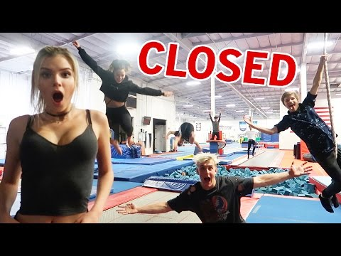 OVERNIGHT SUPER TRAMPOLINE PARK OBSTACLE COURSE CHALLENGE AND TRICKS