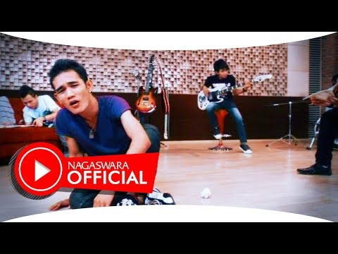 Sembilan - Ada Bayangmu (Official Music Video NAGASWARA) #music Mp3