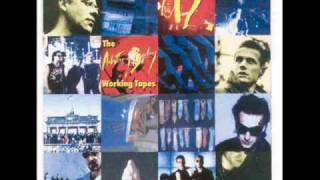 U2    Wake Up Dead Man-w-the Spinning Head