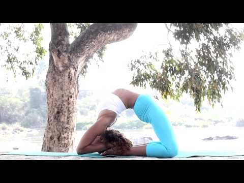 Astanga jóga második sorozat bemutató Laruga Glaserrel