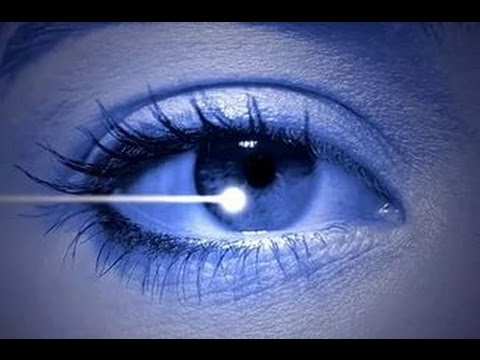 Острота зрения ниже 0.6 на лучшем глазу и ниже 0.2 на