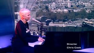Annie Lennox - In The Bleak Midwinter (Live On The Andrew Marr Show)