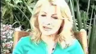 E! - Interview de Sasha et de sa maman (2010)