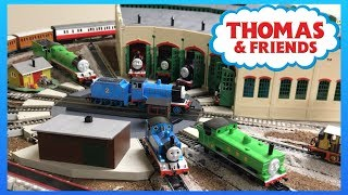 HOW DOES TIDMOUTH SHED TURNTABLE WORK? Thomas & Friends Bachmann Trains