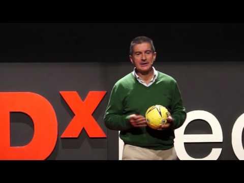 El Balón de Mi Vida | Manolo Cadenas | TEDxLeon
