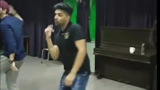 Guru Randhawa dance rehearsel for Raat Kamaal Hai