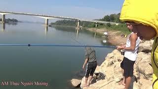 Ẩm Thực Người Mường |  Cùng anh em Tam Mao TV ra sông Đà câu cá và 1 buổi dã ngoại thật vui
