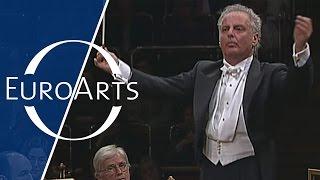 Barenboim & Chicago Symphony Orchestra play Boulez, Debussy, de Falla, Carli
