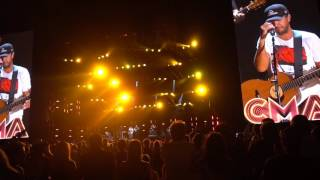 Luke Bryan   Drink A Beer (w Moment Of Silence) (Live CMA Fest 2016)