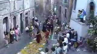 preview picture of video 'Genazzano 2004, Processione del Sacro Cuore'