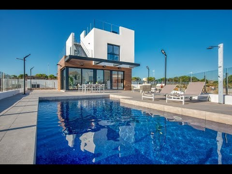 Maison moderne sur le Golf La Finca ✅ à Algorfa