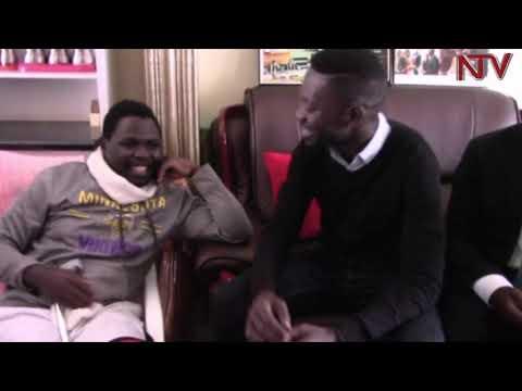 Bobi Wine n'ababaka ba palamenti balambudde Francis Zaake