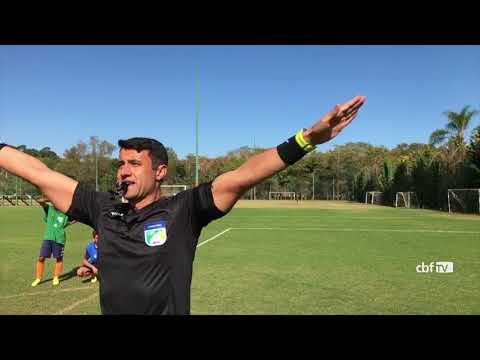 Curso de VAR no Brasil: árbitros compartilham experiência da final do Catarinense