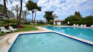 preview picture of video 'Holiday apartment Atalaya Golf, Estepona, Marbella, Costa del Sol'