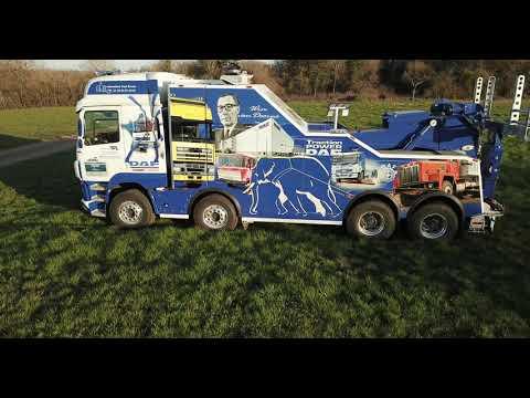 Kaip parodyti prisirišimą prie DAF sunkvežimių? Prancūzai ant savo transporto priemonės nupiešė gamintojo istoriją
