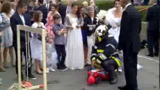 preview picture of video 'Mean wedding procedure in Luxembourg for firemen'