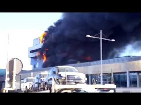 SAVONA: IN FIAMME IL PALAZZO DELL' AUTORITA' PORTUALE