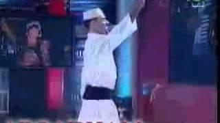 اغاني حصرية الراقص تيتو وزوجته يرقصون على مولد تامر نجيب تحميل MP3