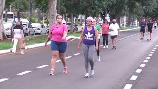 Estudos já indicaram que realizar atividades físicas ajudam em muito a reduzir o risco de internação em caso de contágio da Covid-19. Mas especialistas alertam que não é por isso que as medidas de prevenção podem ser deixadas de lado