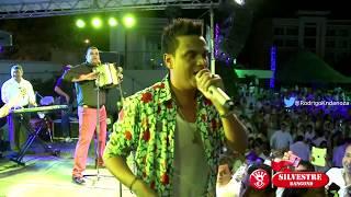 Descargar MP3 de Silvestre Dangond Rolando 8a Full El Ni��o Bonito