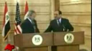 В Буша кинули ботинком Iraqi Journalist Throws Shoes At President Bush!