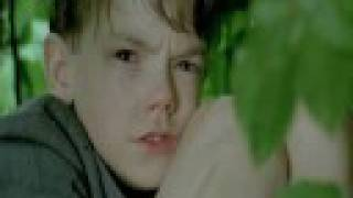 Thomas Sangster  Entrusted