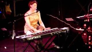 Amanda forgets the lyrics! Amanda Palmer  - Truce - Union Chapel - 11.09.09