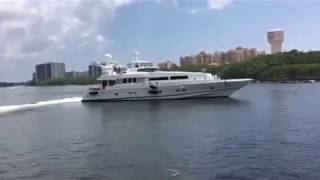 92' Oceanfast Aluminum Motor Yacht leaving the dock in Boca Raton on the Intercostal