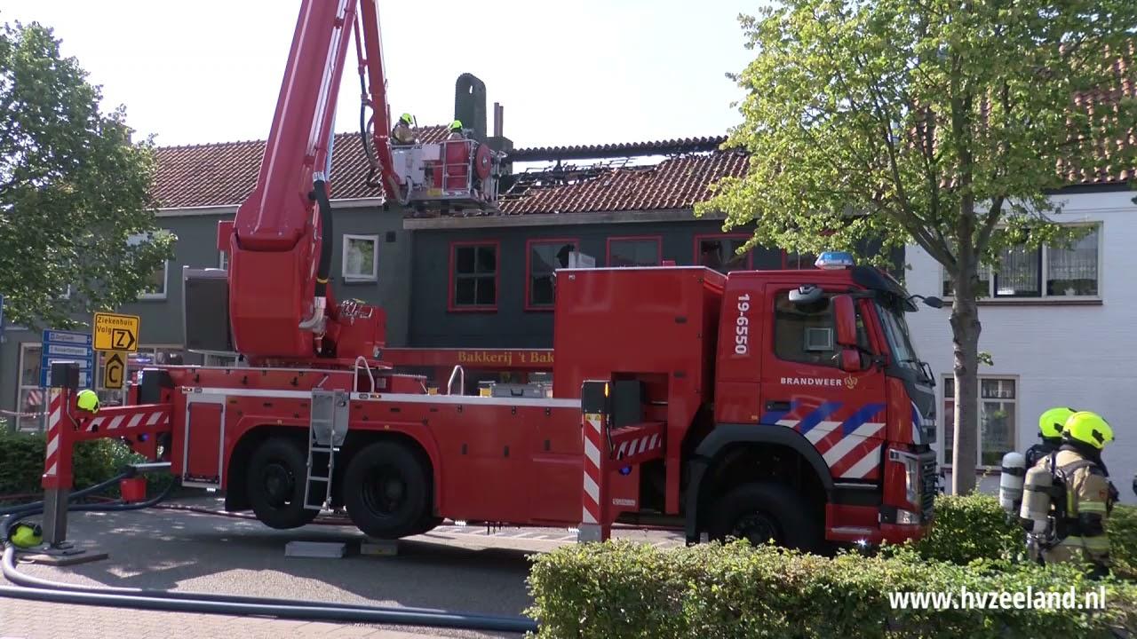 Zeer grote brand in bakkerij Oostburg