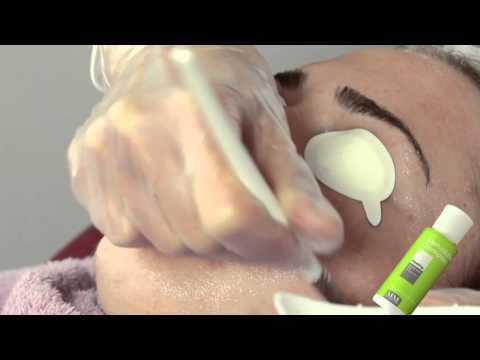 Miostimoulyator pour bezoperatsionnogo du lifting de la personne et svetoterapii les rappels