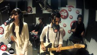 In The Valley Below - Peaches - Session Acoustique OÜI FM