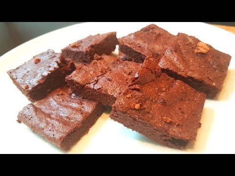 Healthier Dark Chocolate Brownies<br />Treats don't have to be treacherous with these tasty brownies!